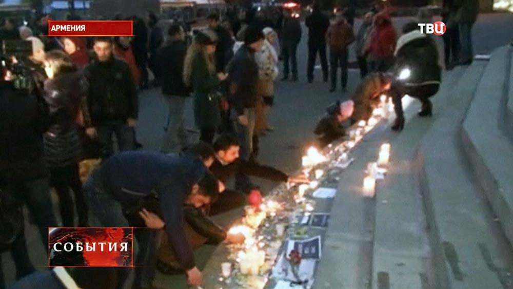 Траур по погибшей армянской