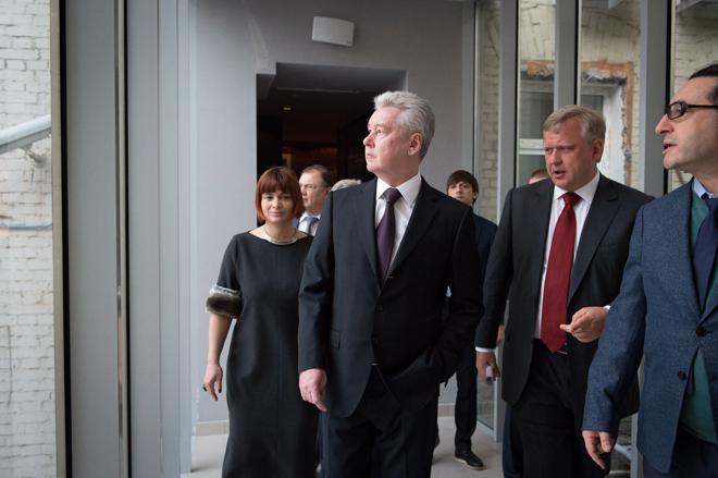 Сергей Собянин осматривает электротеатр «Станиславский»