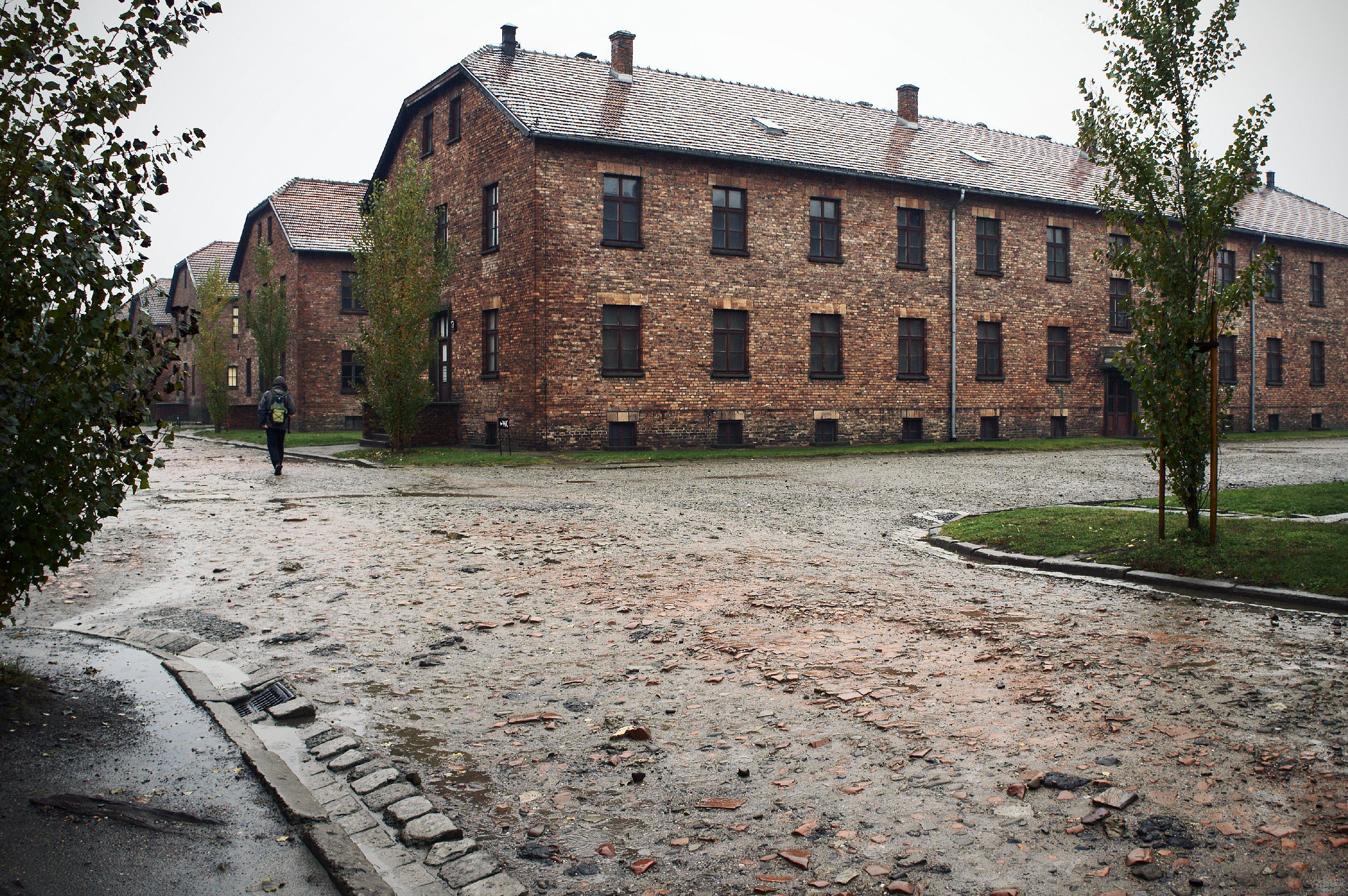 Бараки Освенцима