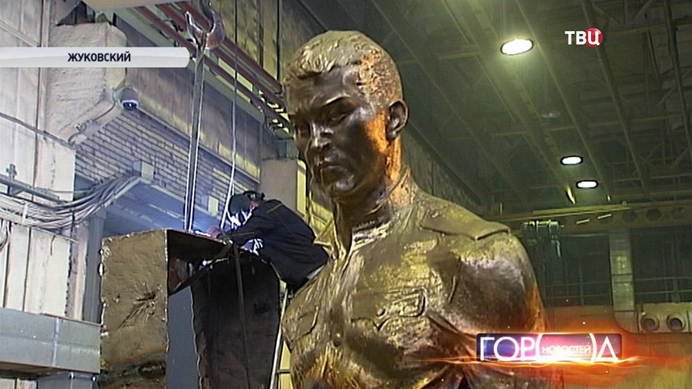 Памятник русскому солдату в советскому мастерской