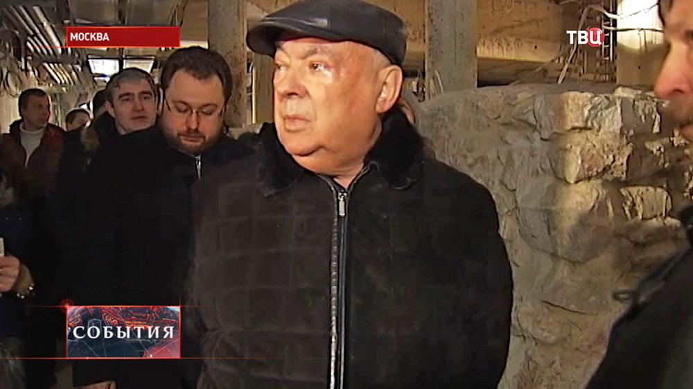 Владимир Ресин проинспектировал строительство церкви