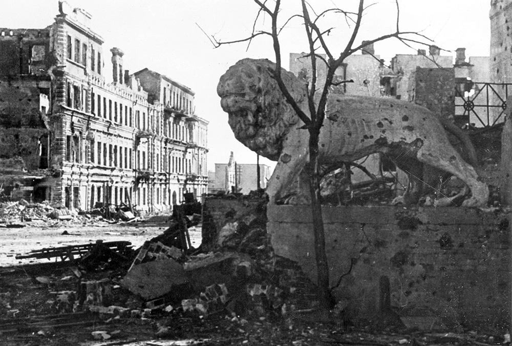 2 февраля была ликвидирована северная группа 6-ой армии. Таким образом, битва за Сталинград была завершена