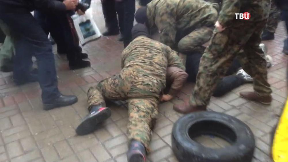 Разгон акции протеста у здания Киевской государственной городской администрации