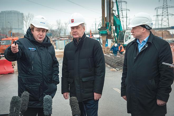 Сергей Собянин осматривает реконструкцию транспортной развязки на пересечении Рязанского проспекта и МКАД