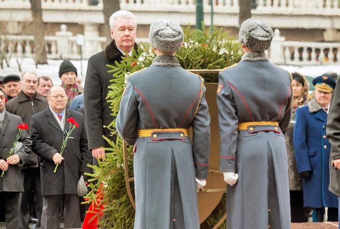Сергей Собянин возложил венки и цветы к Могиле Неизвестного Солдата