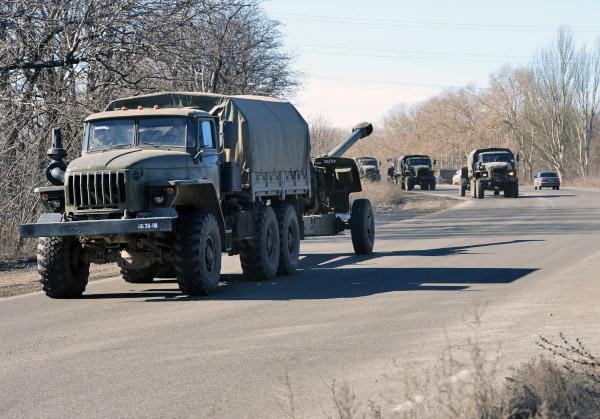 Колонна военной техники народного ополчения ДНР