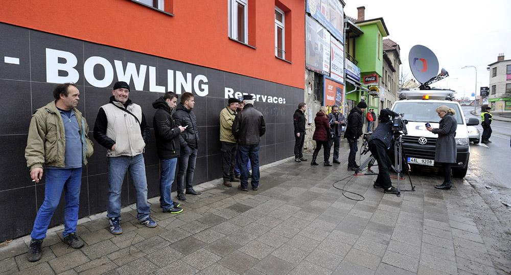 Пресса Чехии на месте расстрела посетителей кафе