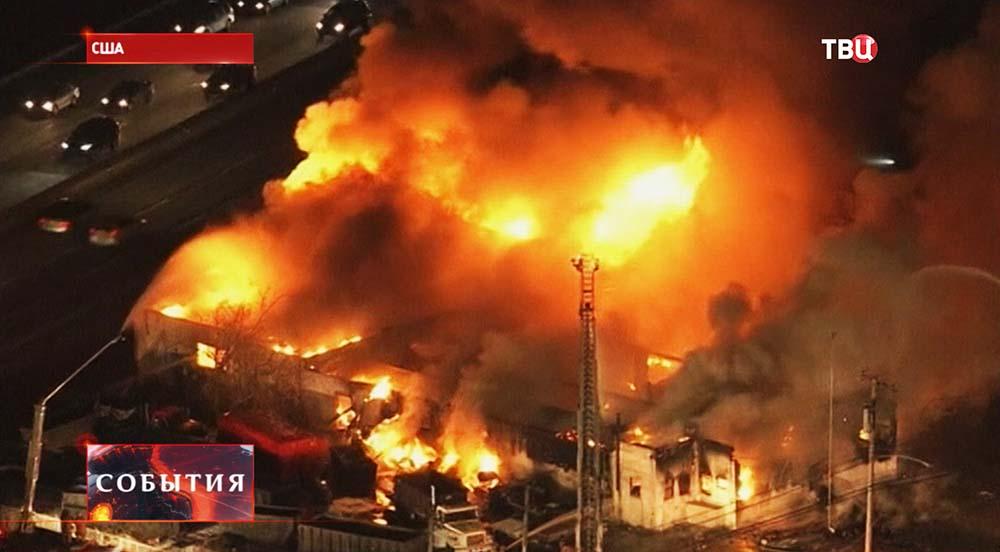 Пожар на заводе в США