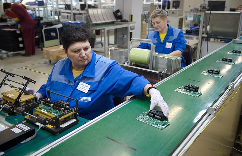 Производственный цех на заводе