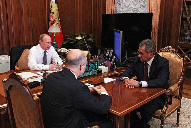 Владимир Путин на встрече с Сергеем Шойгу и Антоном Силуановым