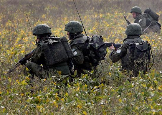 Российские солдаты на учениях