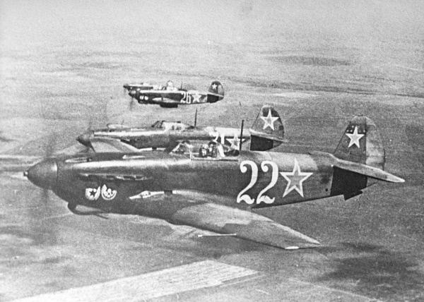 Истребители Як-9