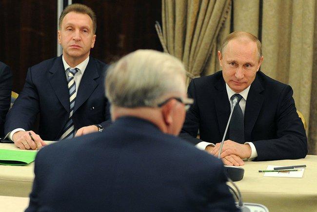 Владимир Путин на встреча с членами РСПП. Слева - первый вице-премьер Игорь Шувалов