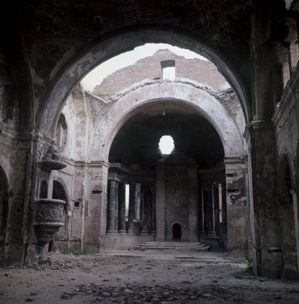 """Церковь, бывший гарнизонный клуб. Мемориальный комплекс """"Брестская крепость-герой"""""""