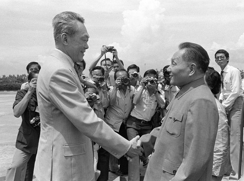 Ли Куан Ю и Вице-премьер Китая Дэн Сяопин в Сингапуре