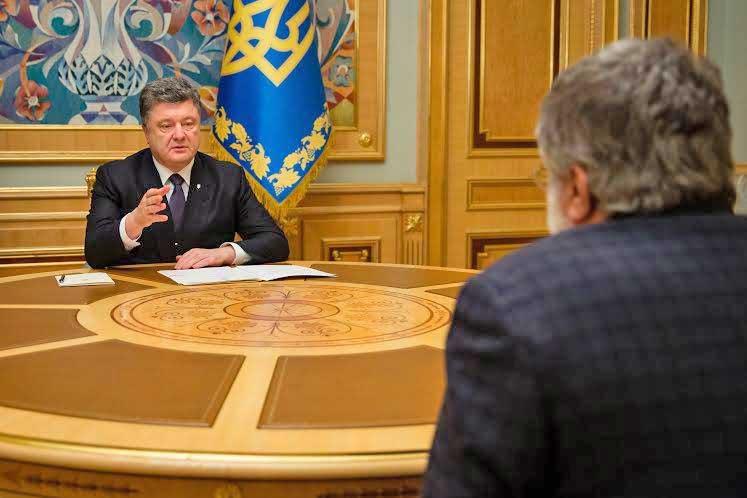 Президент Украины Пётр Порошенко и экс-губернатор Днепропетровской области Игорь Коломойский