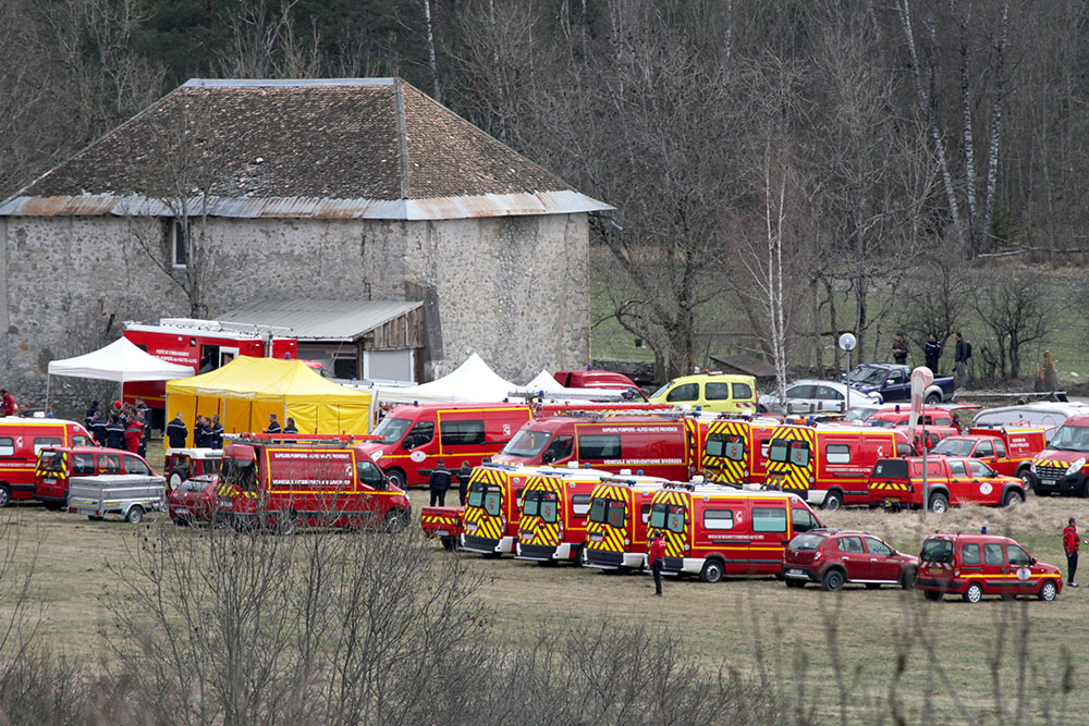 Место крушения Airbus A320 авиакомпании Germanwings во Франции