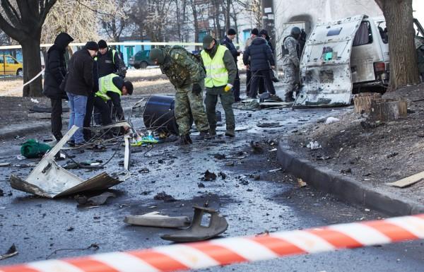 Оцепление на месте взрыва автомобиля