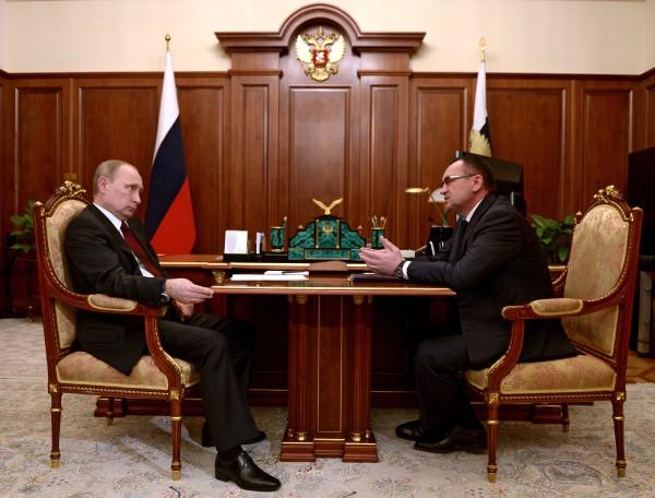 Президент России Владимир Путин и министр сельского хозяйства РФ Николай Федоров во время встречи