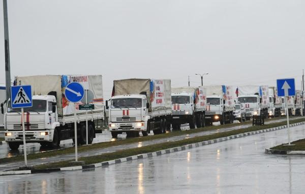 Грузовые автомобили 23-го российского конвоя с гуманитарной помощью для населения Донбасса