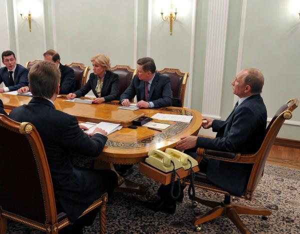 Президент России Владимир Путин в резиденции Ново-Огарево проводит совещание о ситуации на рынке труда