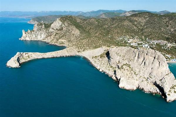 Курортный посёлок Новый Свет на юго-востоке Крыма