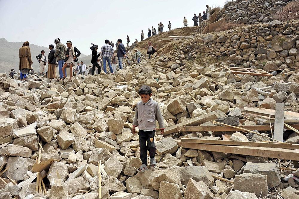 Последствия бомбардировки в Йемене