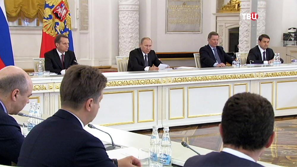 Президент России Владимир Путин на заседании Госсовета РФ