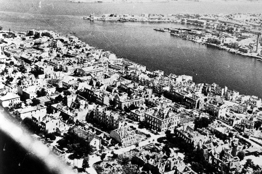 Разрушенный Севастополь, май 1944 года