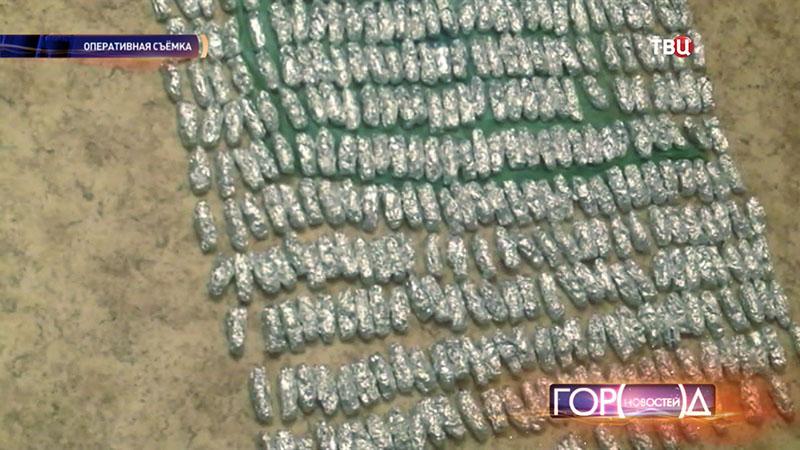В Москве у гражданки Таджикистана изъяли 3,5 килограмма героина