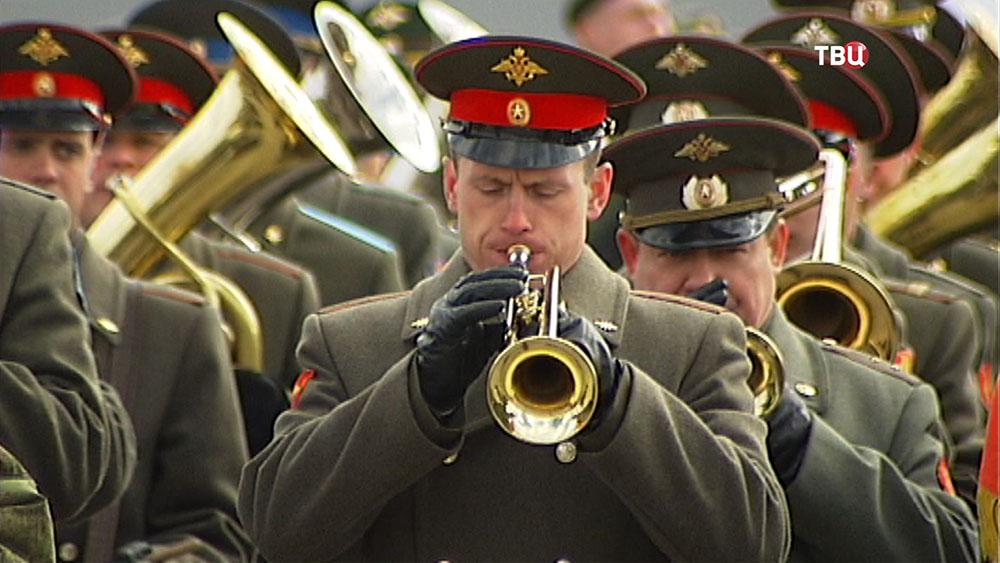 Военный оркестр на репетиции парада Победы