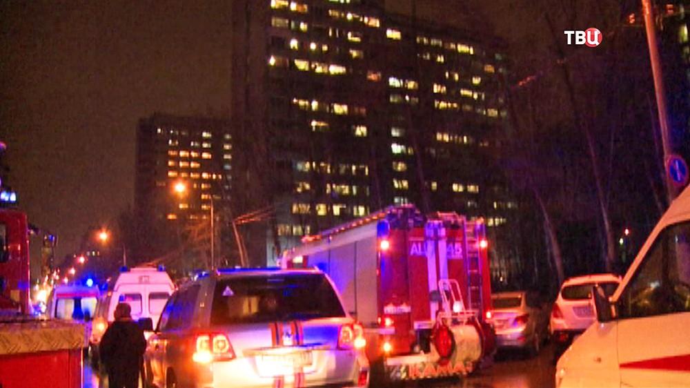Пожарные прибыли на место возгорания в общежитии медуниверситета им. Пирогова