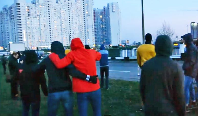 Милиция стреляет по протестующим в Киеве
