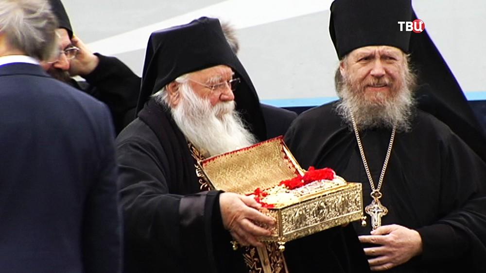 Мощи Георгия Победоносца доставили в Москву