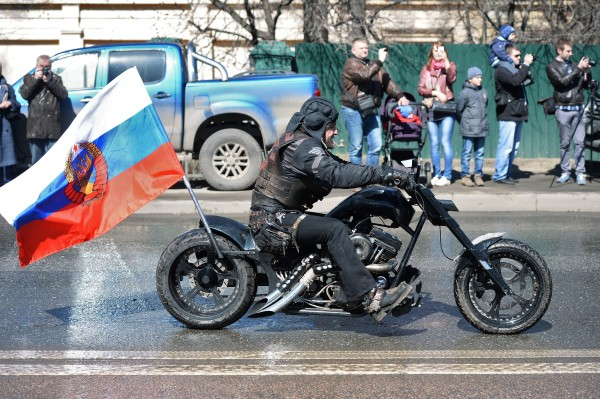 """Президент Всероссийского мотоклуба """"Ночные волки"""" Александр Хирург"""