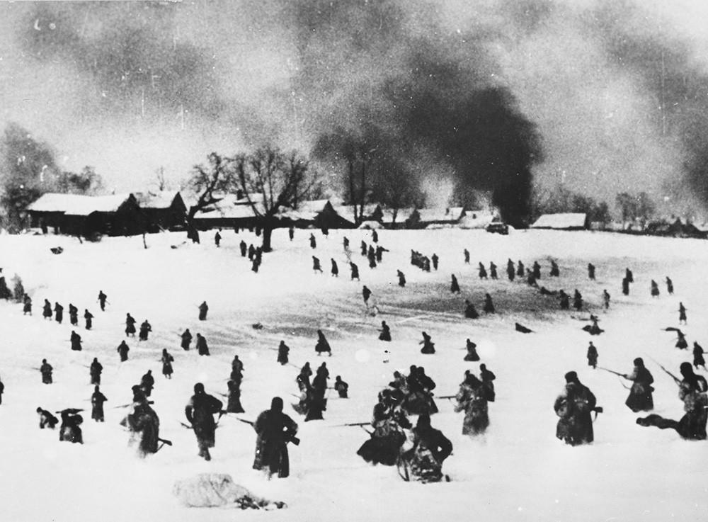 Контр-наступление Советской армии на окраине Москвы