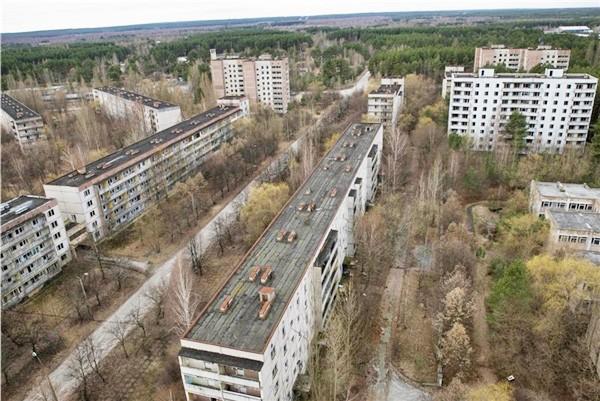 Соседствующий с Чернобыльской АЭС город Припять