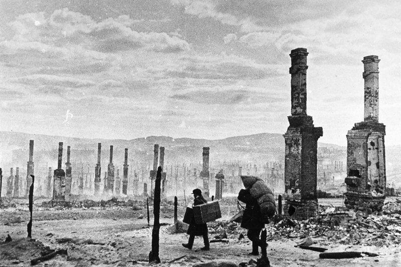 Руины Мурманска, 1942 год