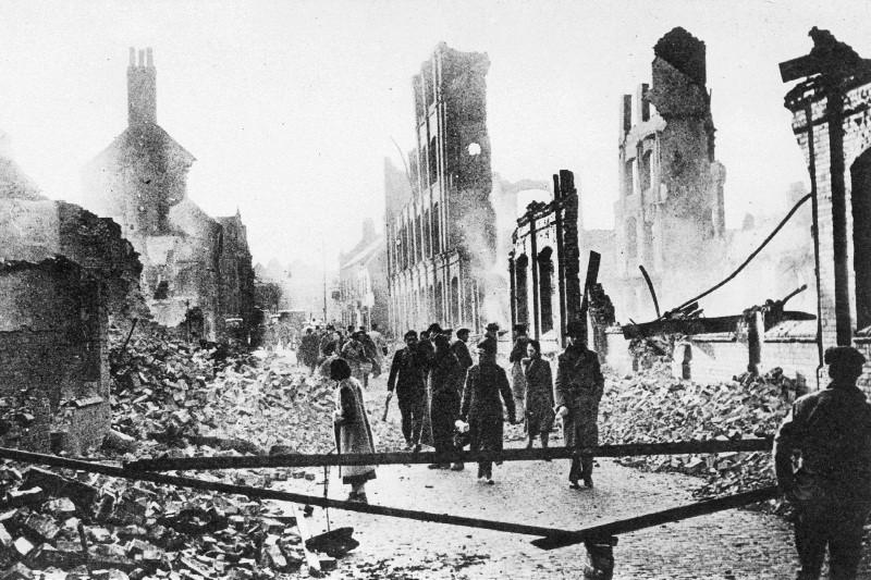 Английский город Ковентри после налёта германских ВВС, 1940 год