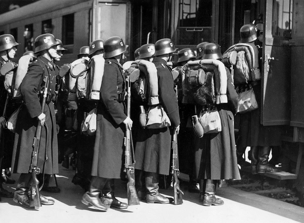 """Солдаты немецкой дивизии """"Викинг"""""""