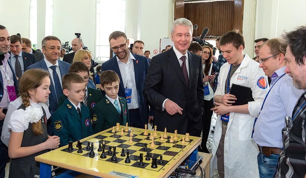 """Открытие выставки """"Робостанция"""" на ВДНХ"""