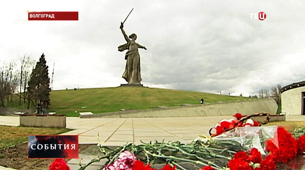 """Статуя """"Родина-мать зовёт!"""" в Волгограде"""