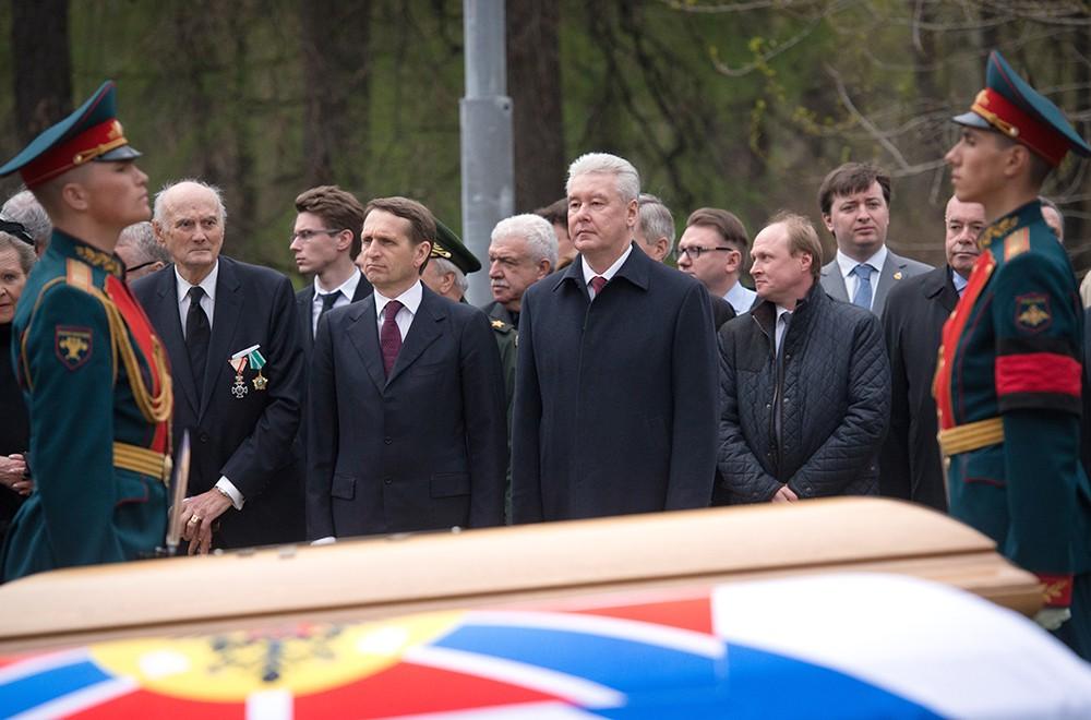 Церемония захоронения праха великого князя Николая Романова и его супруги великой княгини Анастасии Николаевны
