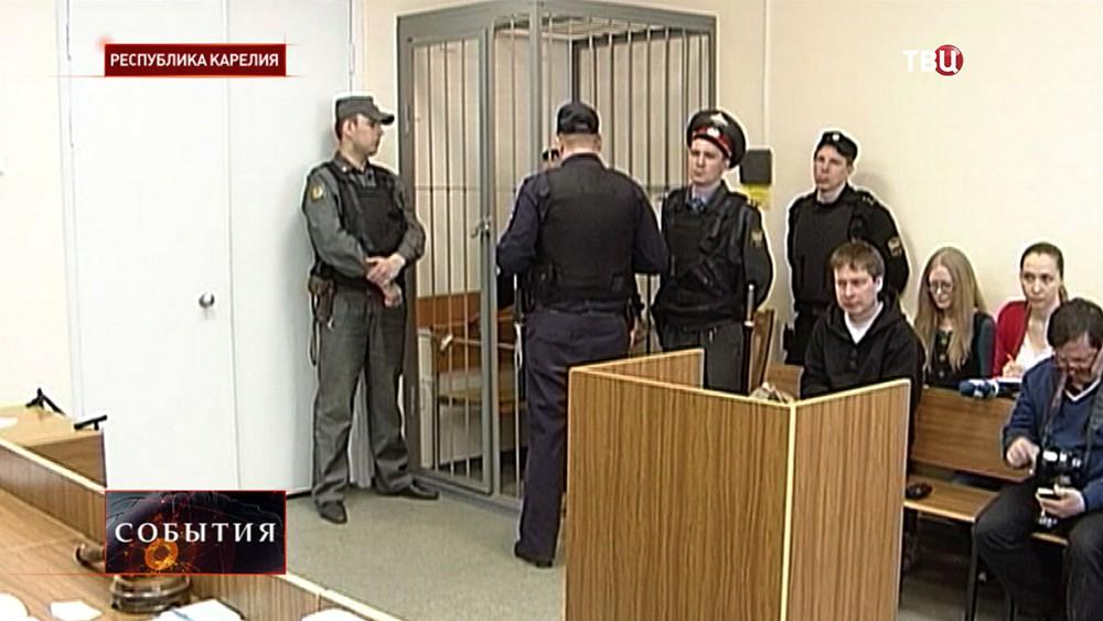 Суд по делу о растлении несовершеннолетних курсантов речного училища Петрозаводска