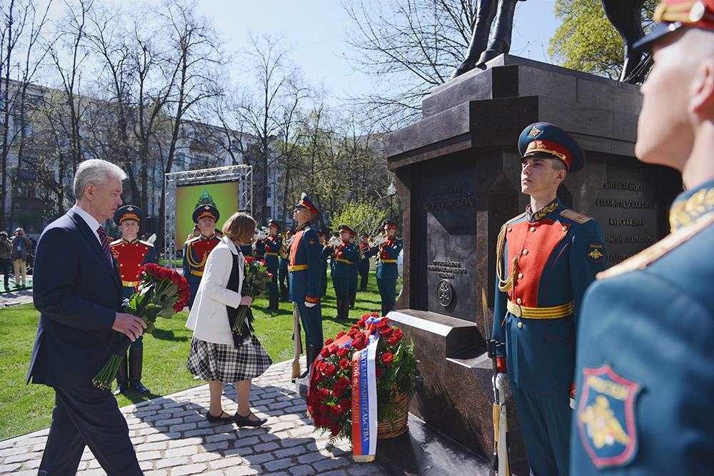 Сергей Собянин на церемонии открытия памятника маршалу Рокоссовскому