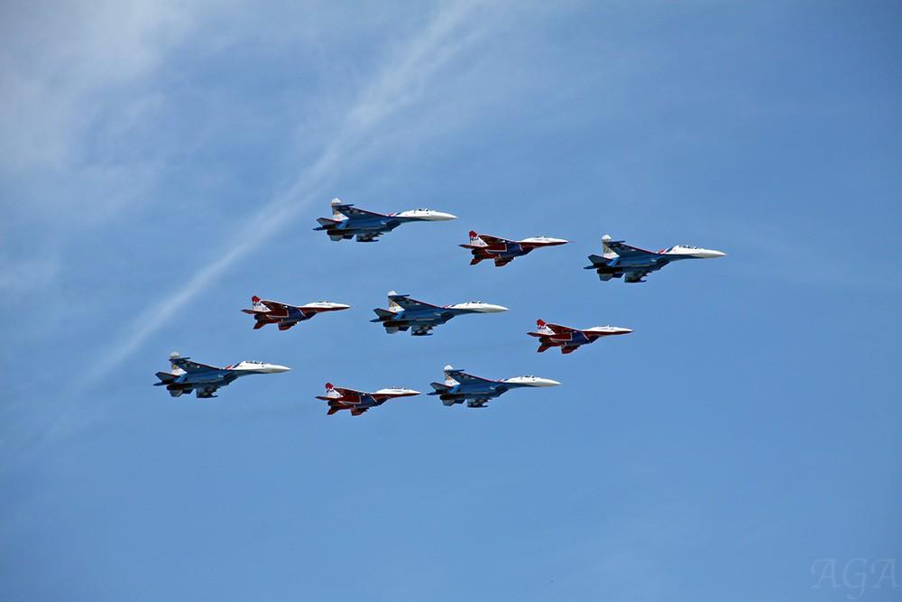 Пролёт военных самолетов над Москвой
