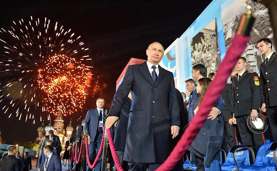 Президент России Владимир Путин во время празднования Дня Победы