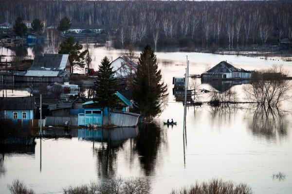 Подтопленные дома в результате весеннего паводка