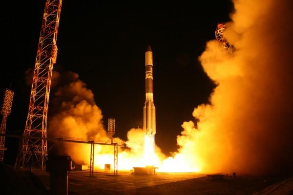 "Старт ракеты-носителя ""Протон-М"""