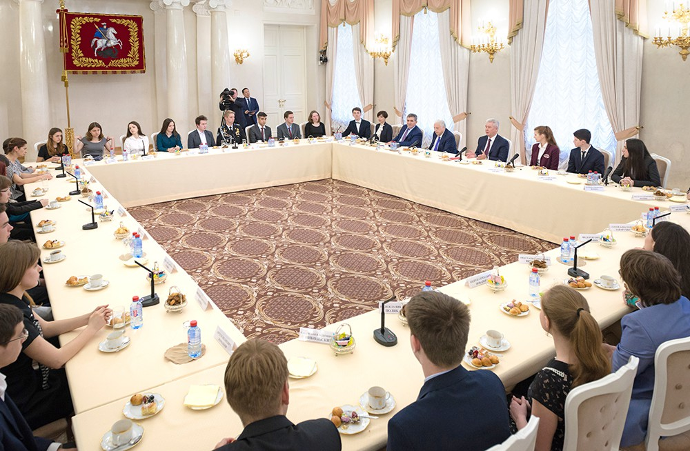 Московские школьники в мэрии